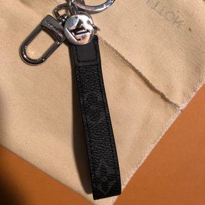 Louis Vuitton dragronne key holder eclipse